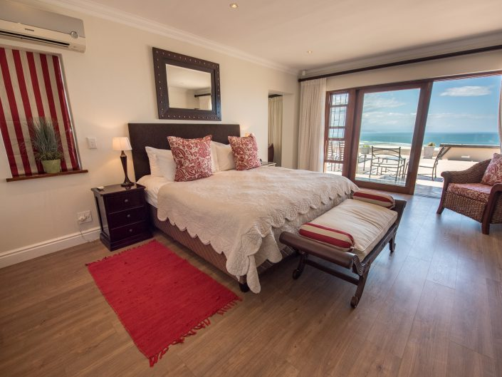 la vista lodge, sea view, bnb accommodation, plettenberg bay photographer, garden route bnb, sharyn hodges, photographer, plett, plettenberg bay